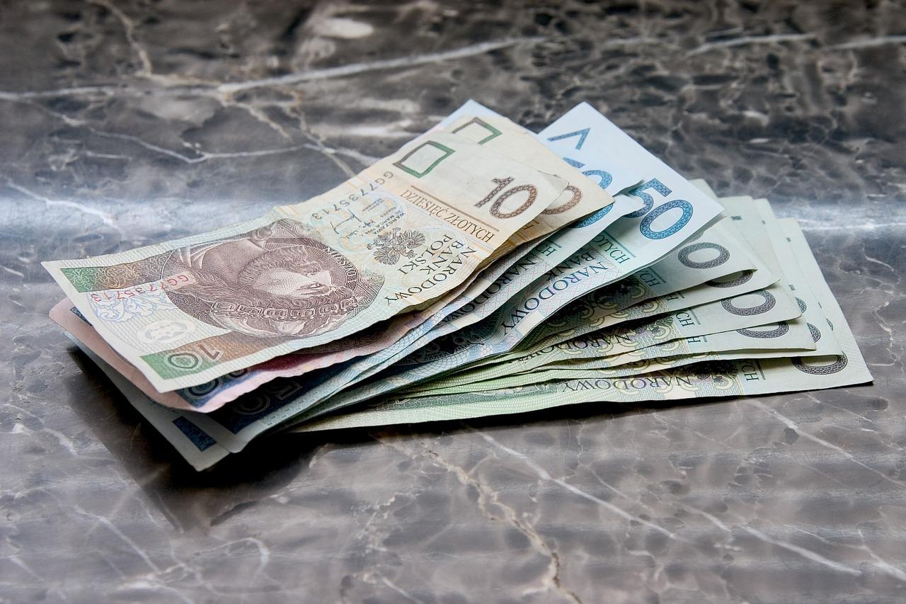 Kredyty bez zaświadczeń. Pożyczka pod zastaw samochodu –  kredytowy doradca w Warszawie