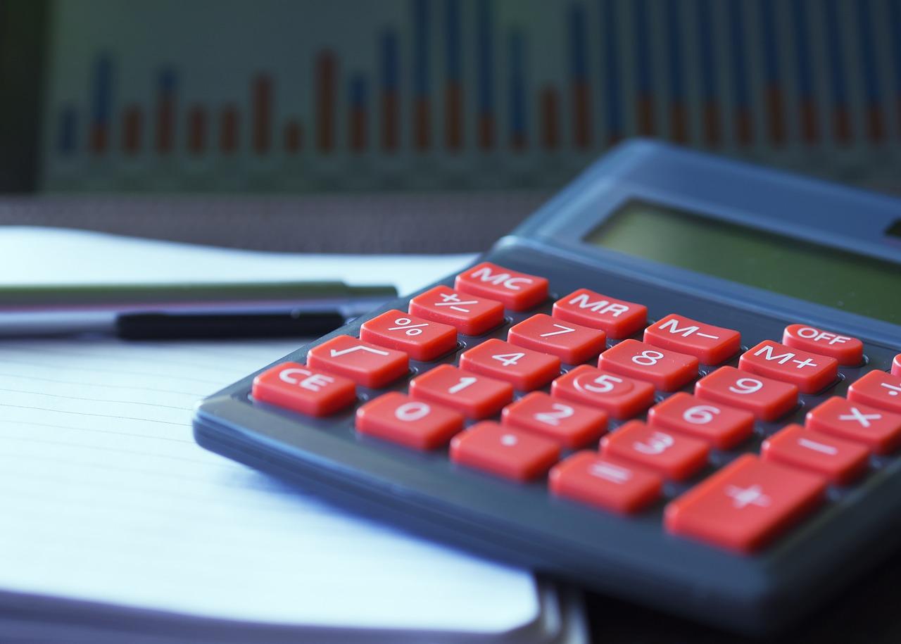 Kredyt gotówkowy, czy pożyczki chwilówki- co warto wybrać?